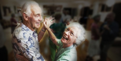 blog.Elderly-Couple-Dancing-750x380