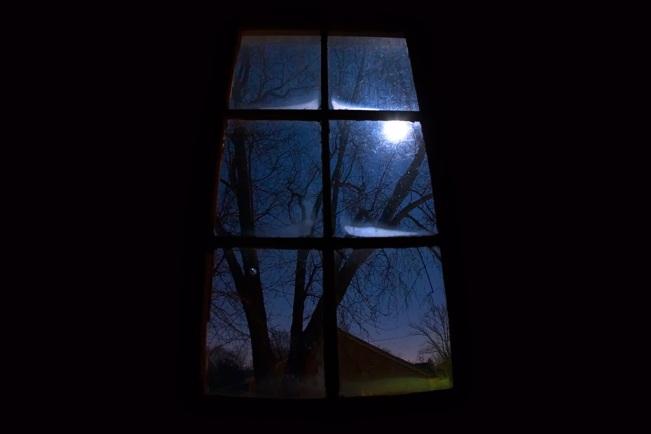 janela-com-lua